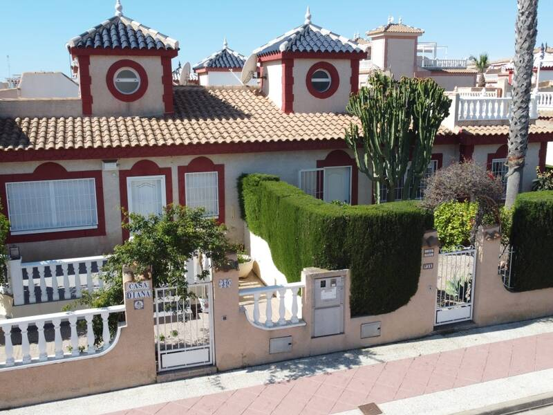 Villa for sale in Playa Flamenca, Alicante