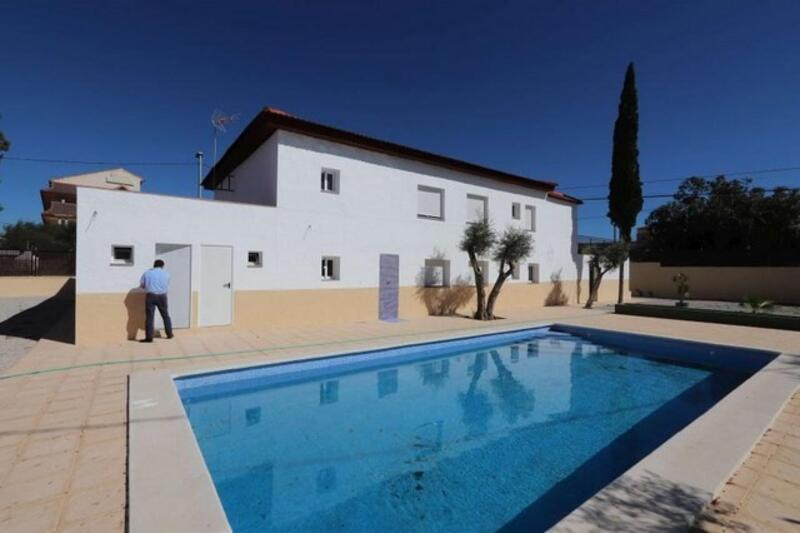 Commercial Property for sale in Fortuna, Murcia