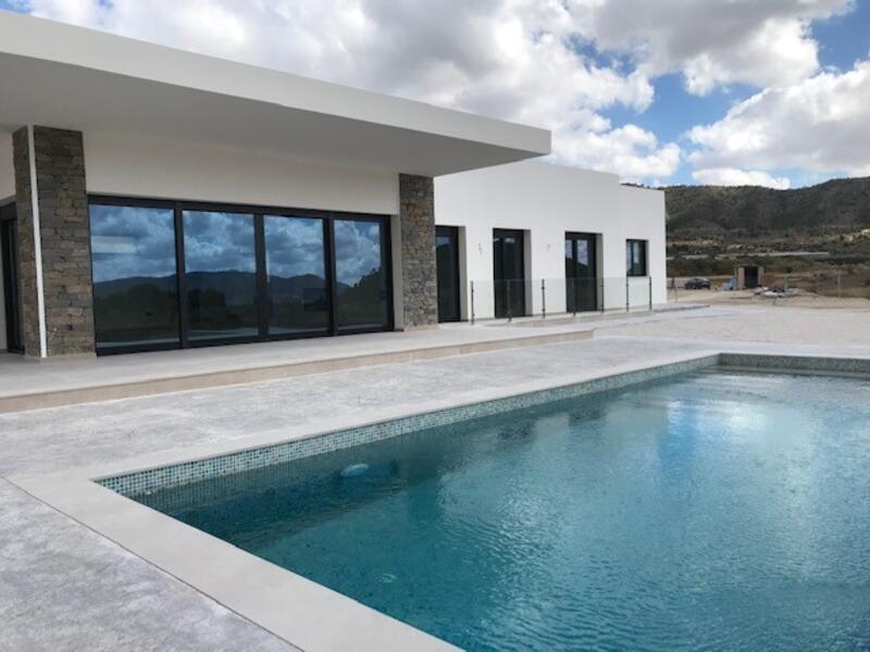 Villa for sale in La Romana, Alicante