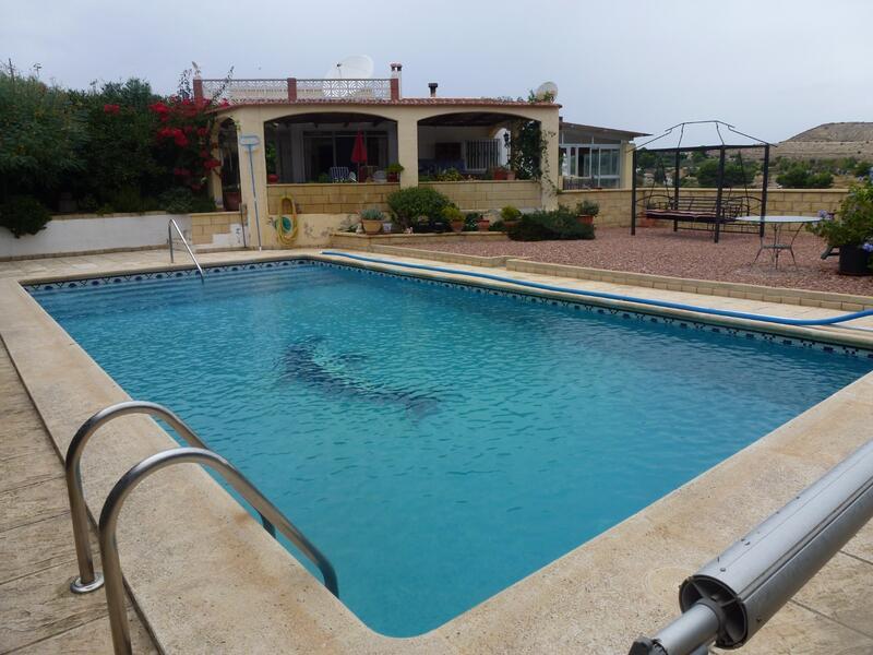 Villa for sale in Aspe, Alicante