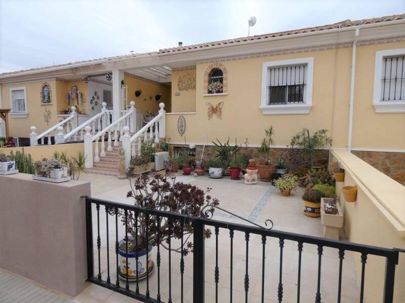 Townhouse for sale in Algorfa, Alicante