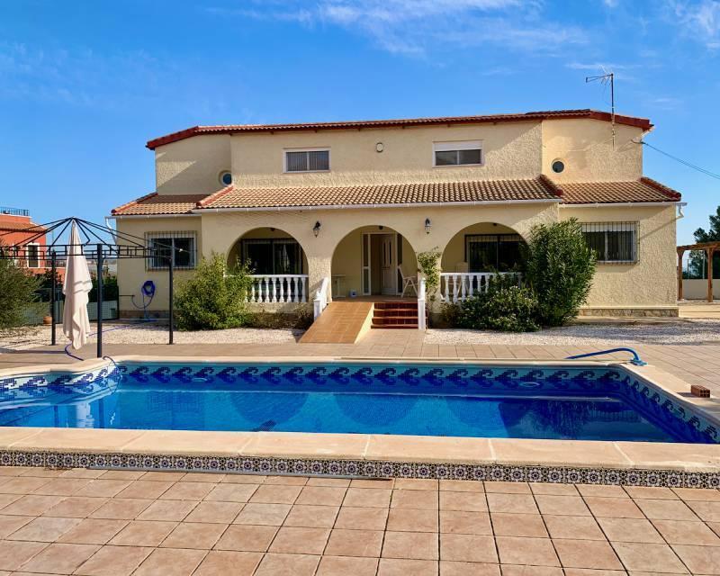 Villa for sale in Los Montesinos, Alicante