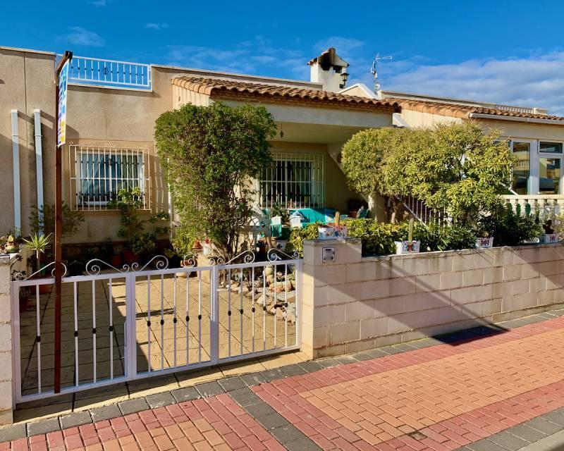 Villa for sale in Algorfa, Alicante