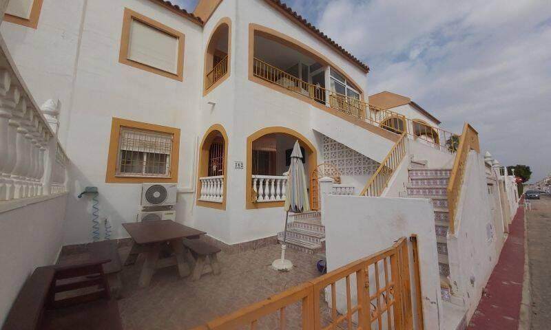 Villa for sale in Torrevieja, Alicante