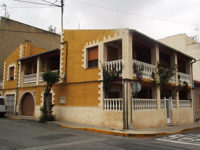 Townhouse for sale in Benejuzar, Alicante