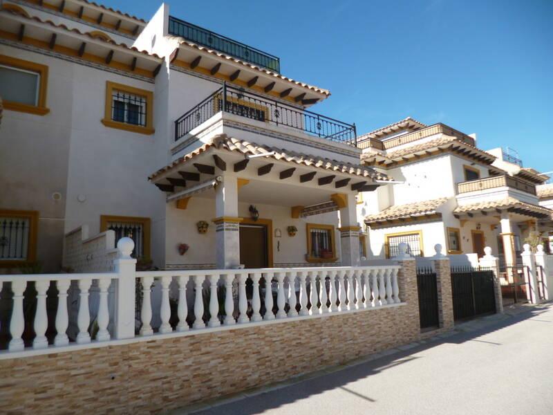 Duplex for sale in Playa Flamenca, Alicante