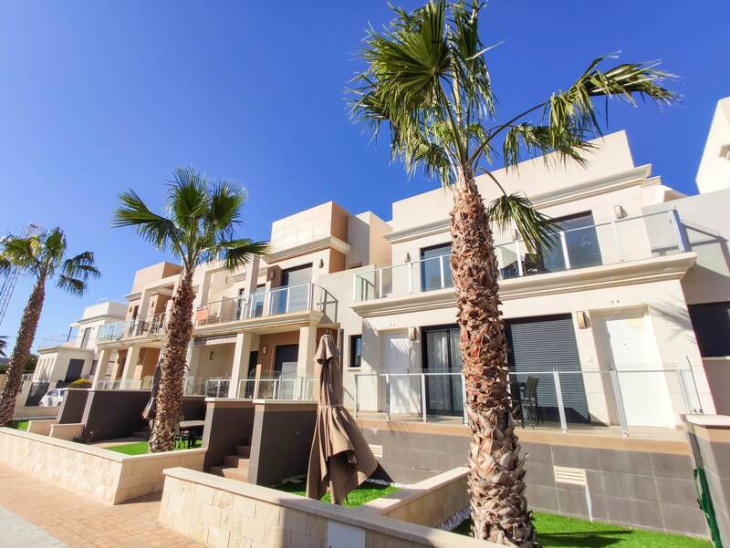 Townhouse for sale in La Zenia, Alicante