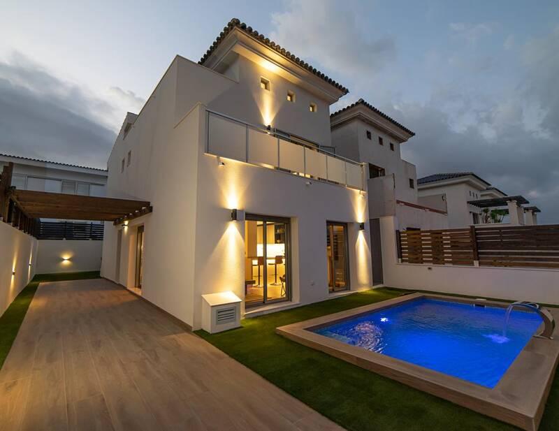 Villa for sale in Cox, Alicante
