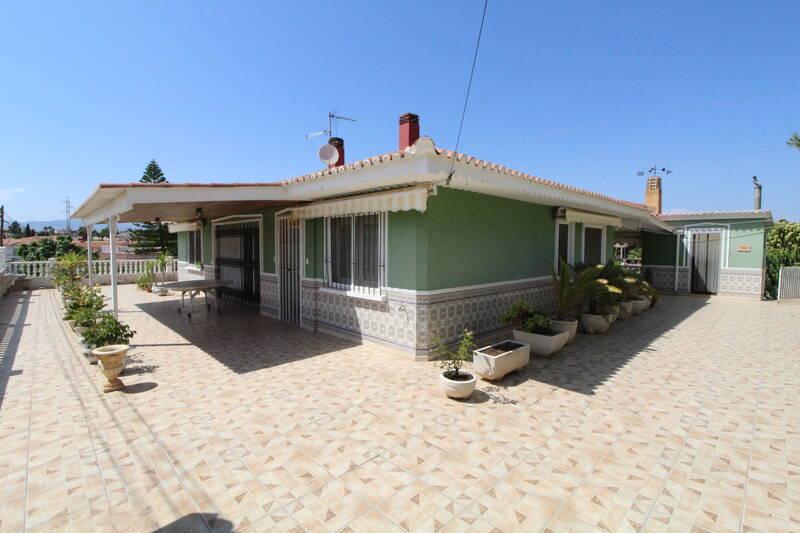 Villa for sale in Alacant/Alicante, Alicante