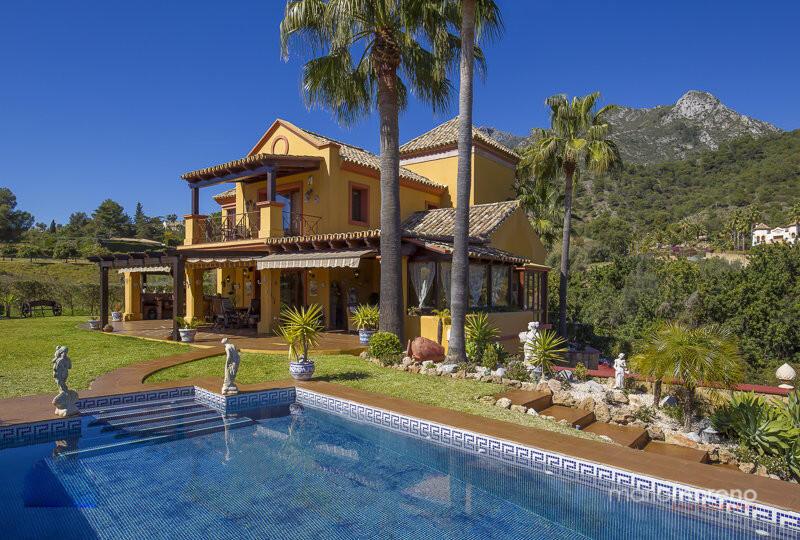 Villa for sale in Marbella, Málaga