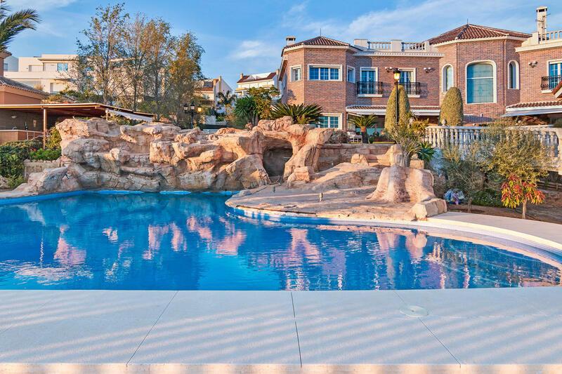 Villa for sale in Málaga, Málaga